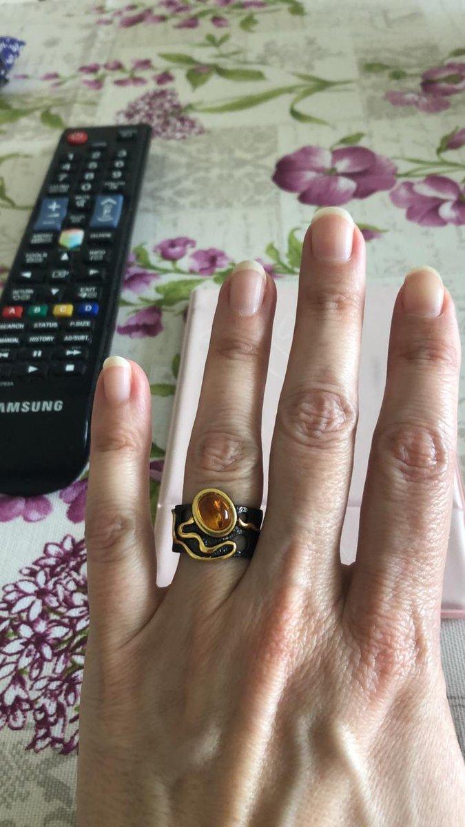 Необыкновенно красивое кольцо! оригинальный дизайн! очень довольна!