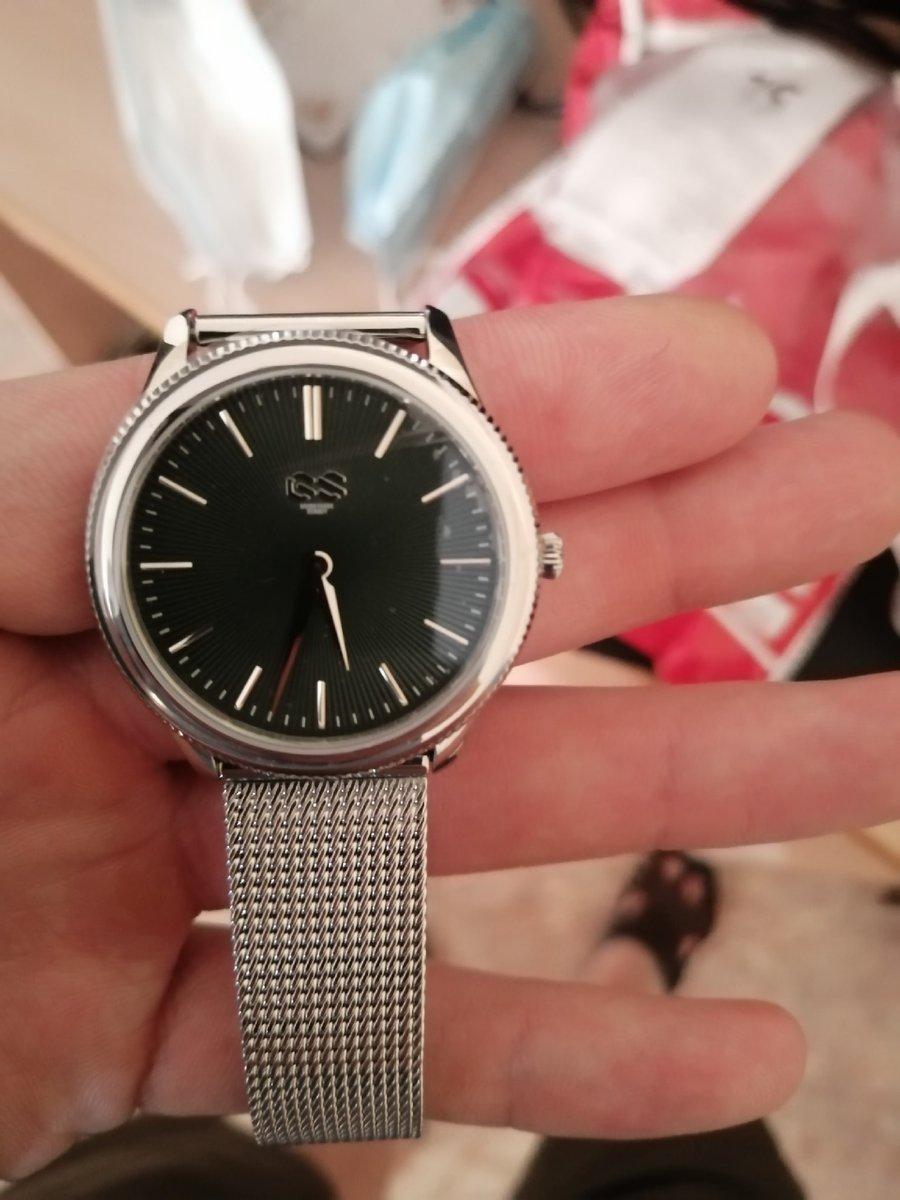 Часы отличные, очень стильно смотрятся, похлдят как девушке так и женщине