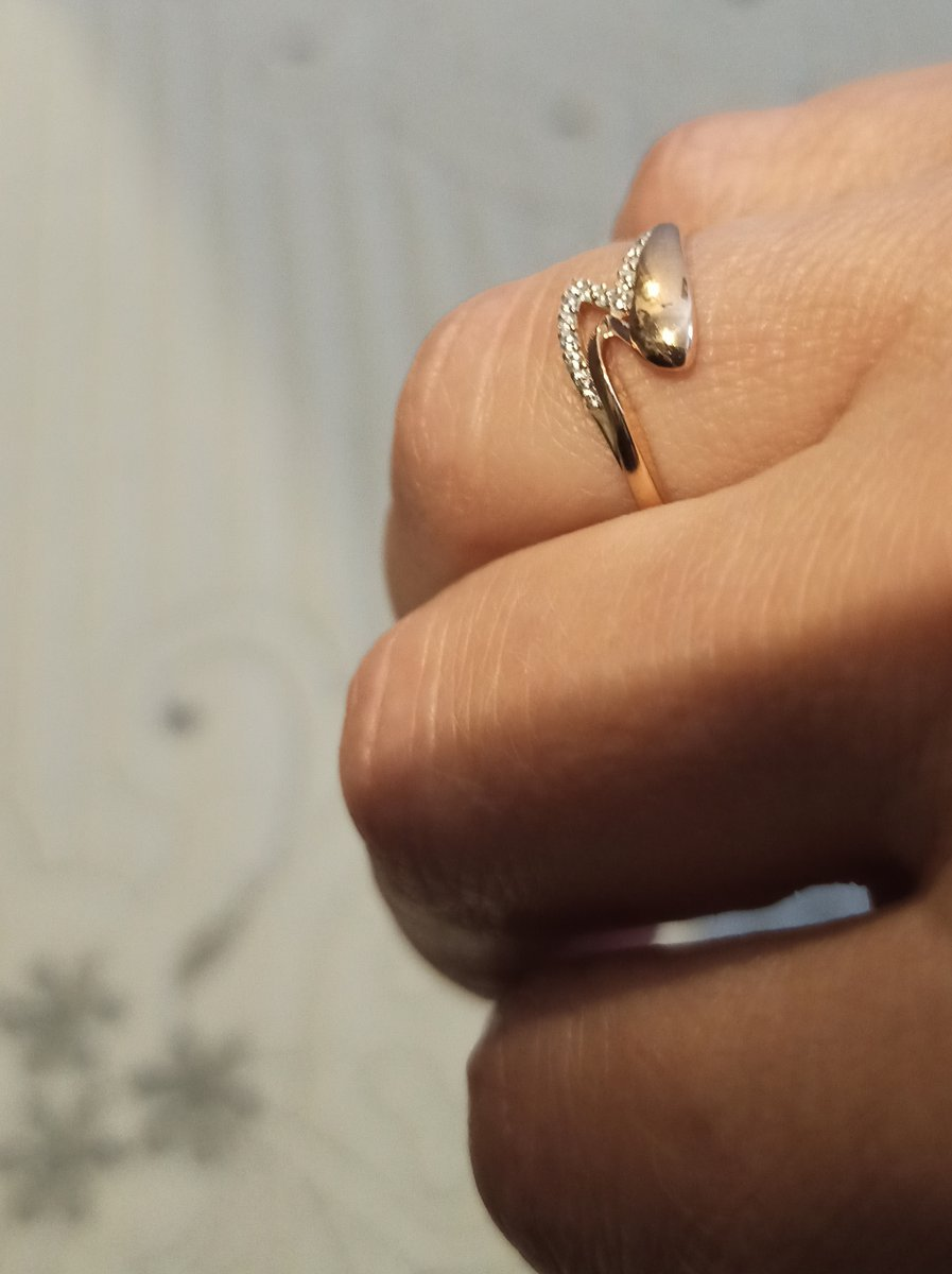 Кольцо. Розовое золото