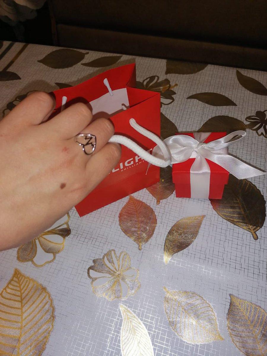 Покупала в подарок сестре на день рождения)))
