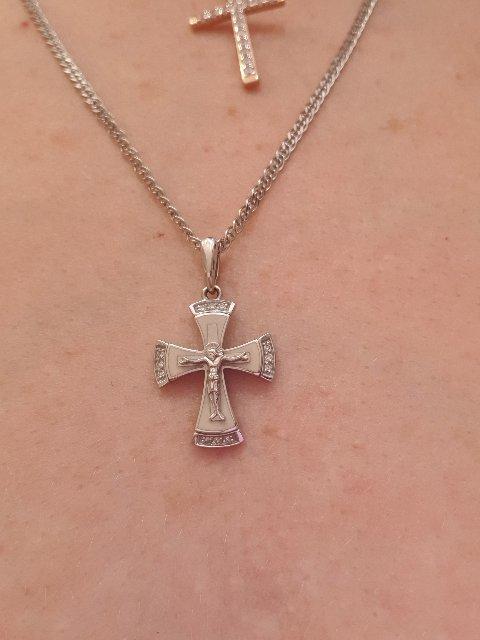 Освятила в церкви, наконец нашла то что хотела. Чувствую что это мой крест