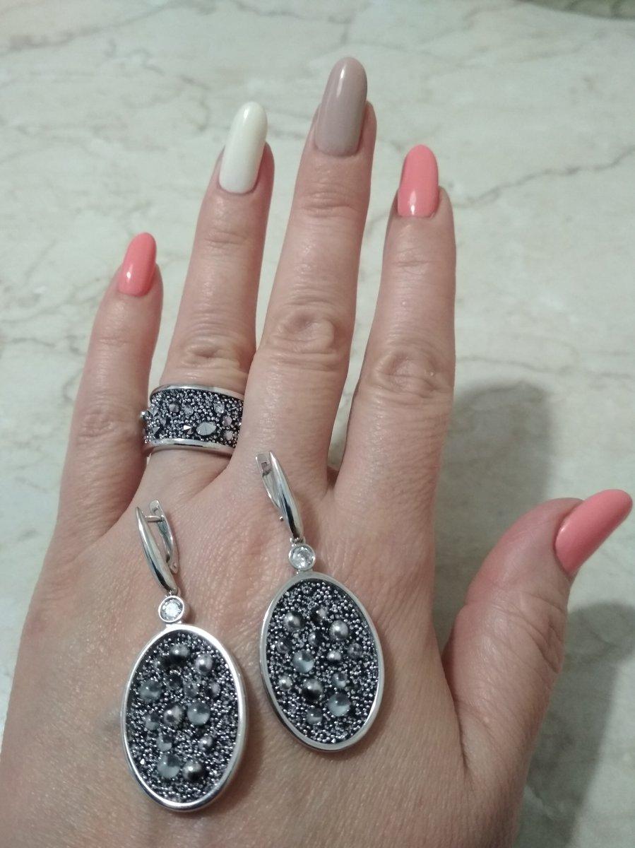 Серебряные серьги с кристаллами