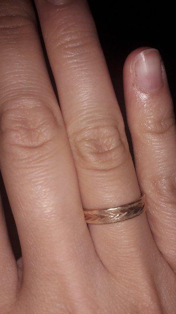 Кольцы соответствуют описанию,у меня и у мужа идеально сели.