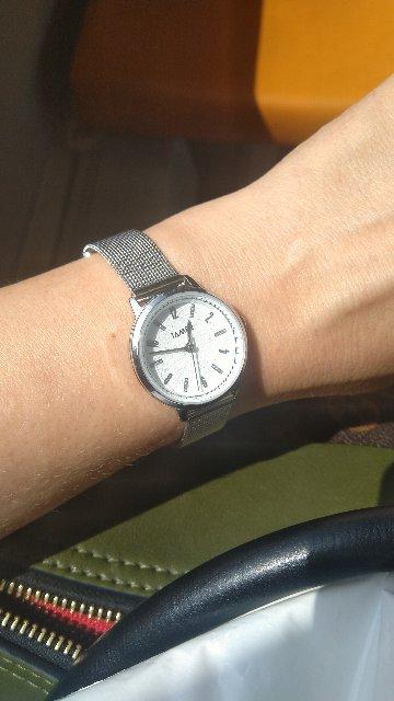 Часы женские классические.