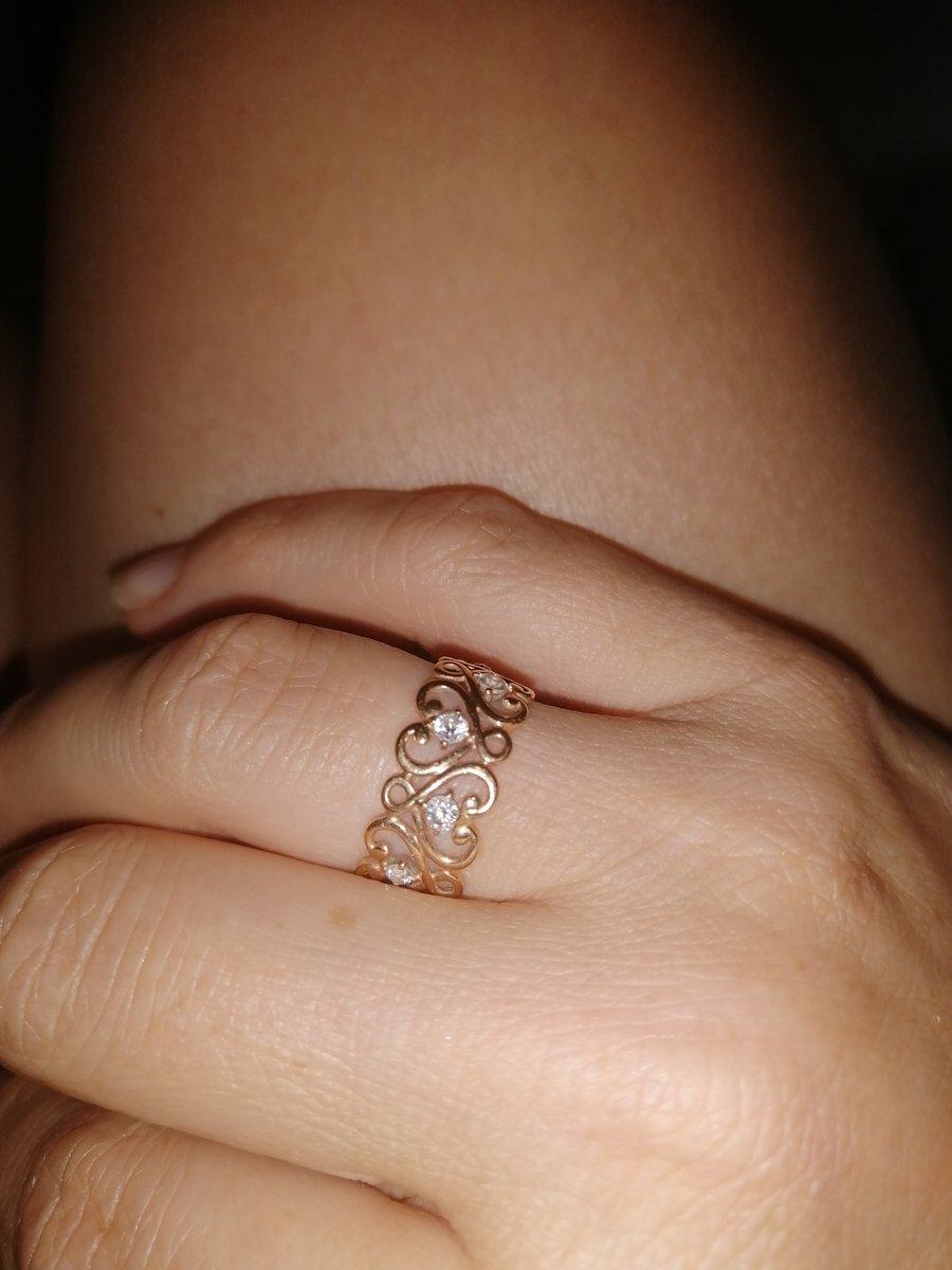 Долго не могла выбрать себе обручальное кольцо, а муж нашёл то,что хотела!