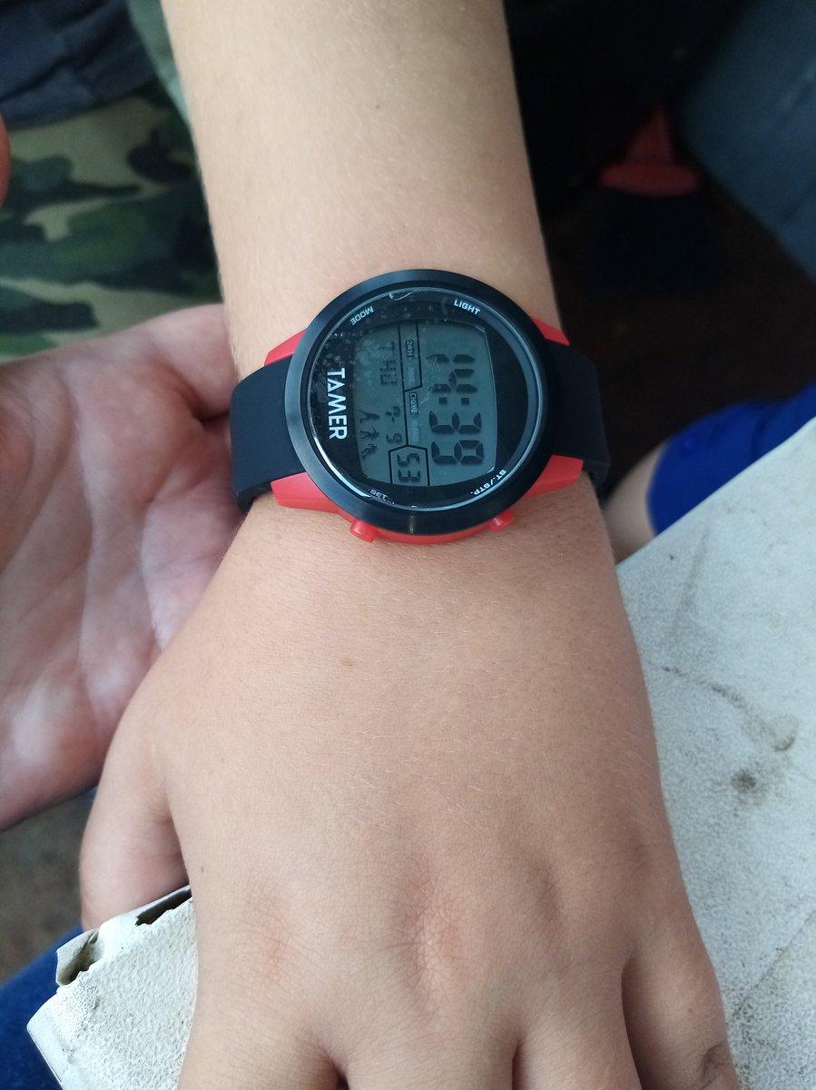 Отличный подарок часы.