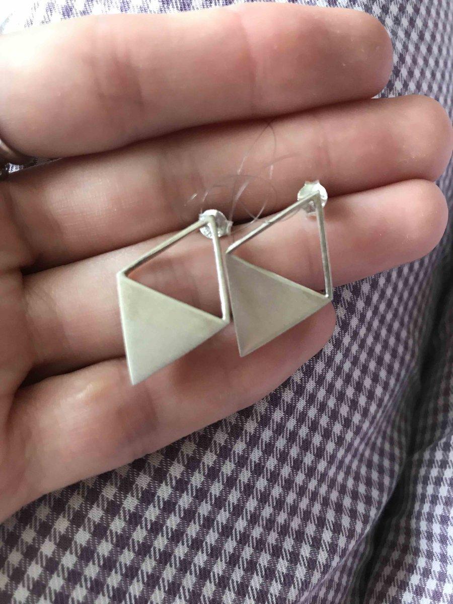Красивые, минималистичные сережки