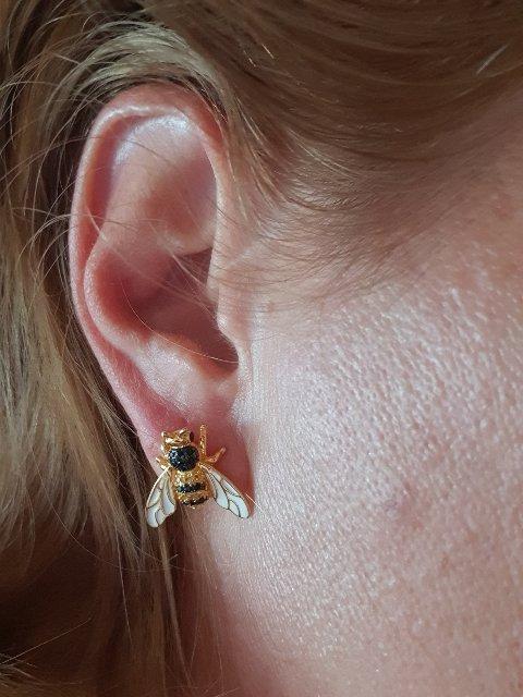 Пара пчёлок