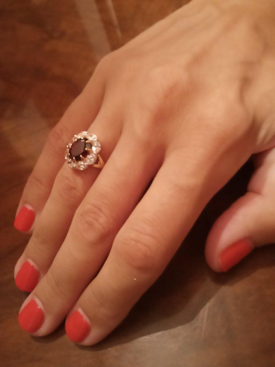 Красивое, классическое кольцо!