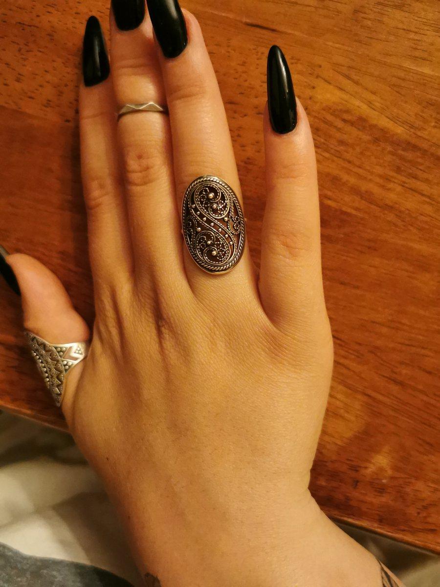 Это кольцо - моя любовь на веки