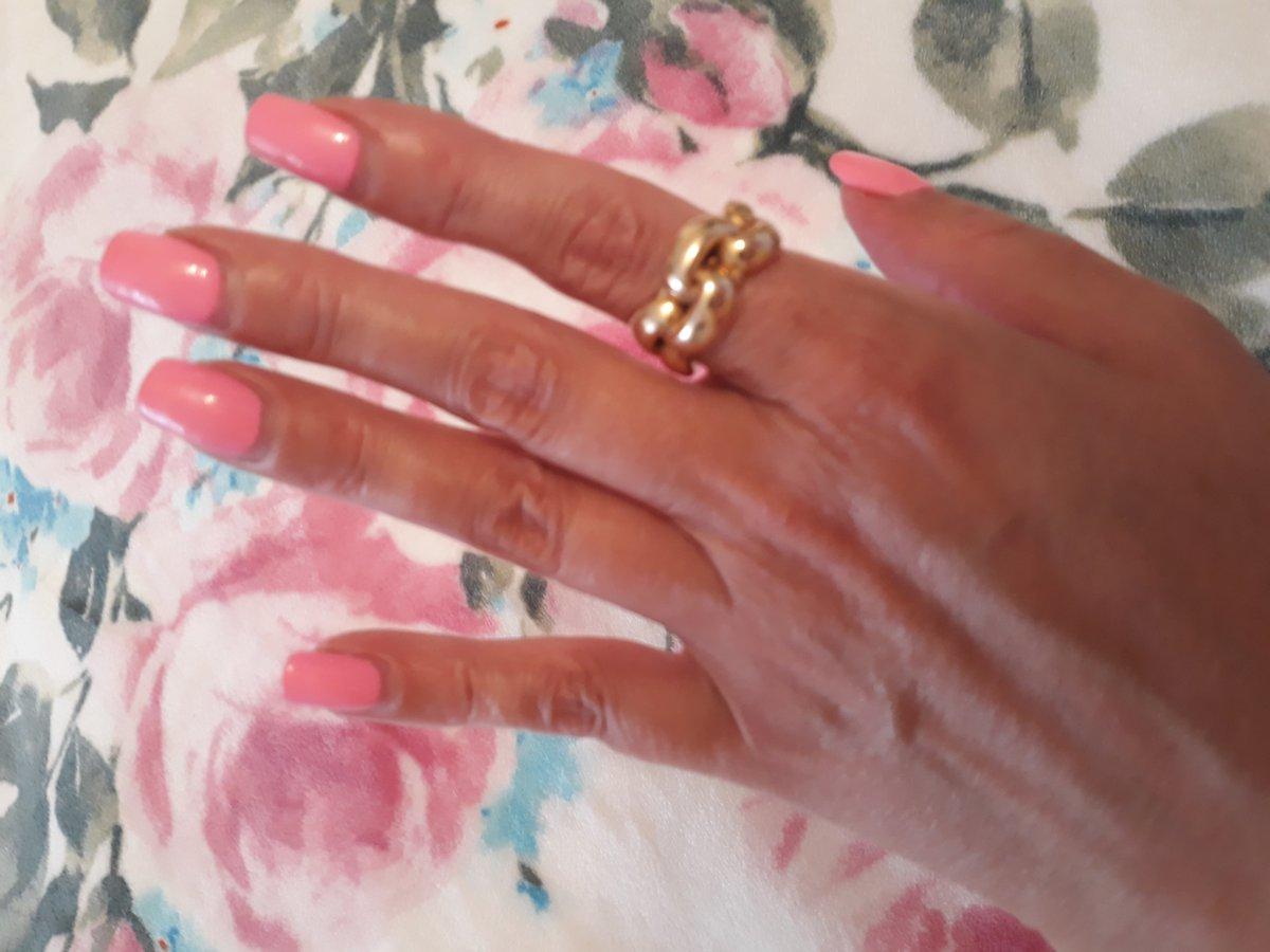 Отличное кольцо смотрится замечательно! Очень довольна покупкой .