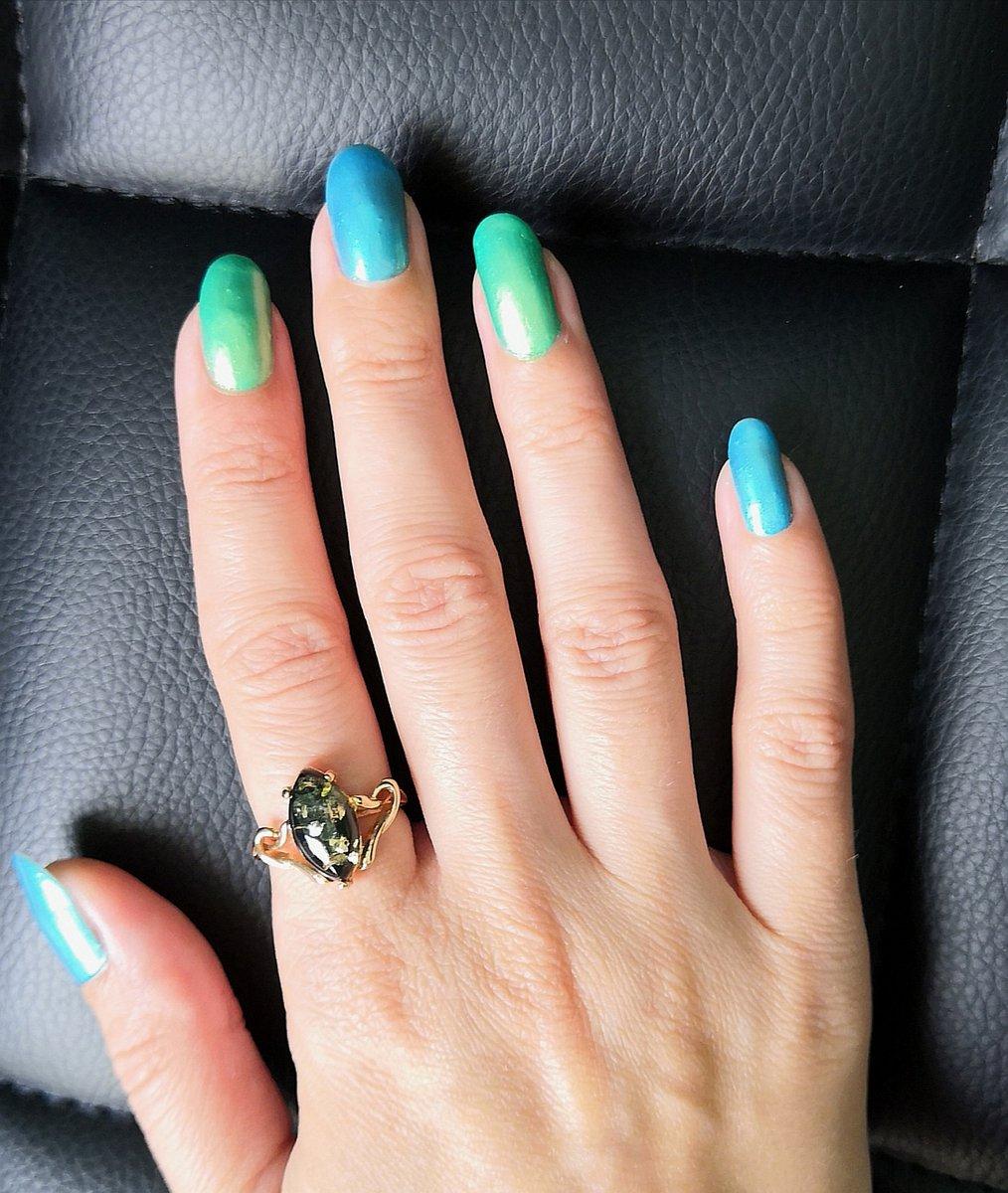 Изящное кольцо,с натуральным зелёным янтарём ✨💍✨