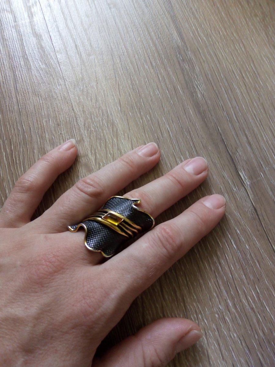 Кольцо с калининградским янтарем, чернением и позолотой
