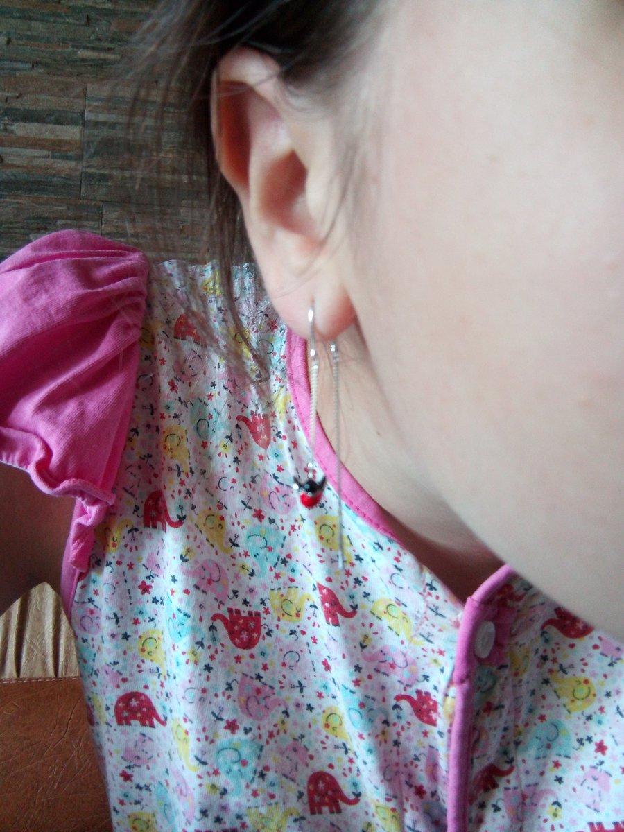 Аккуратные и невесомые серьги для дочери.