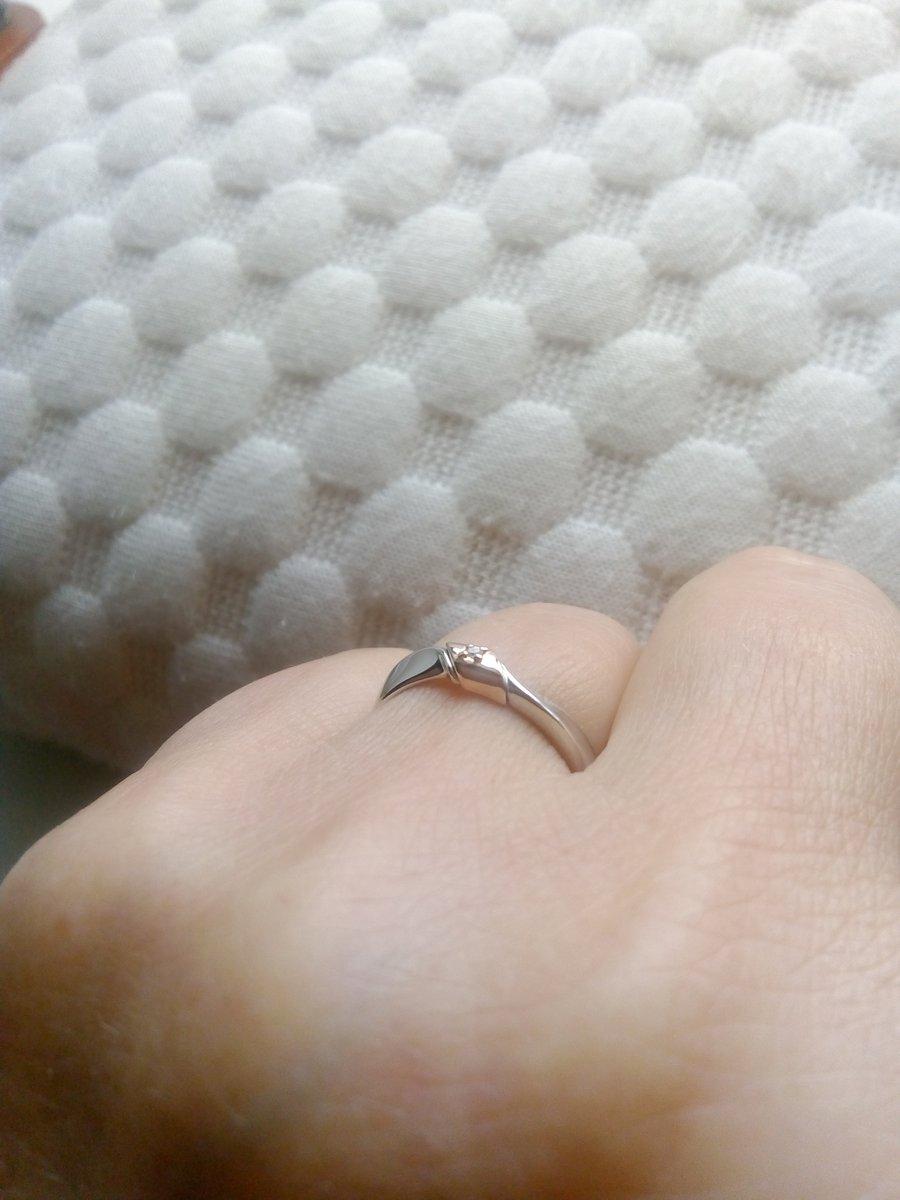 Серебряное кольцо с золотой вставкой и бриллиантом