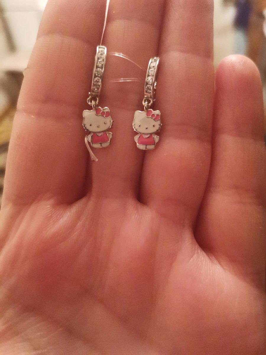 Серебрянные серьги с фианитами и эмалью.