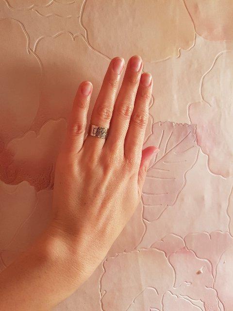 Нежное и элегантное кольцо