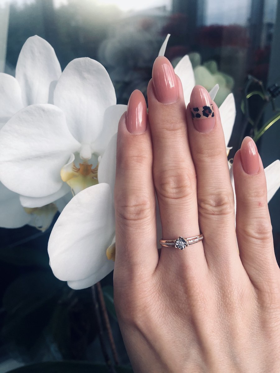 Кольцо с бртллиантами