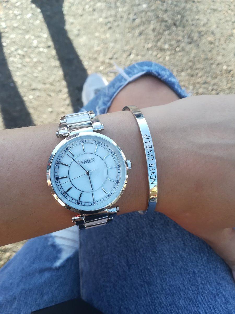 Красивые стильные часы