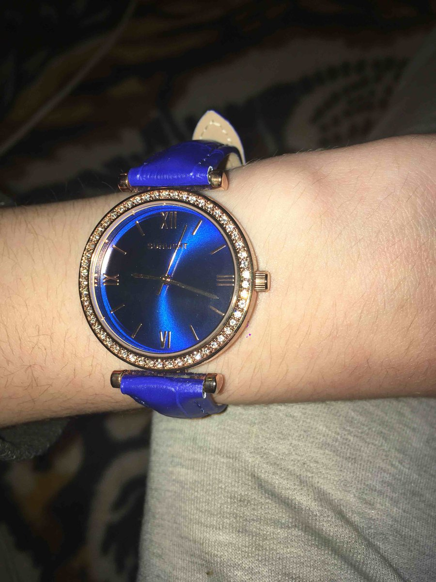 Очень красивые и женственные часы