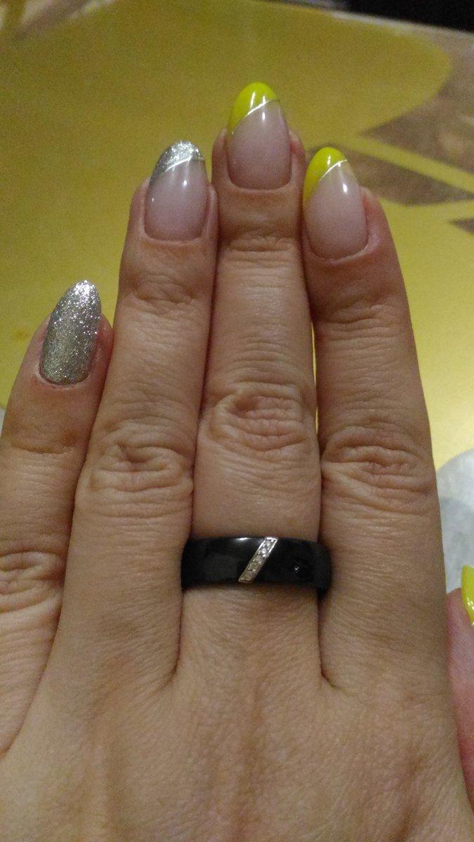 Красивое керамическое кольцо
