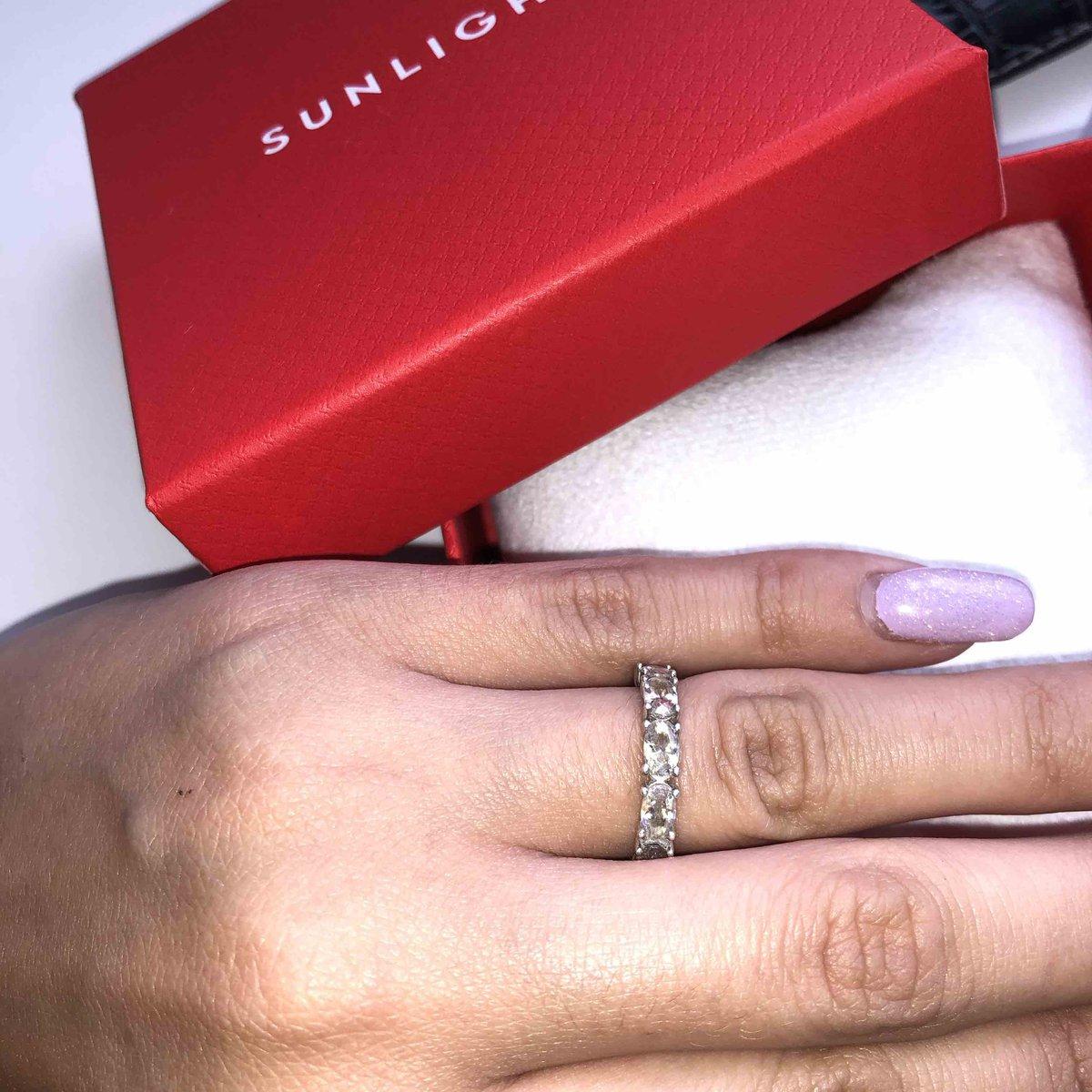 Достойное кольцо, покупала по акции