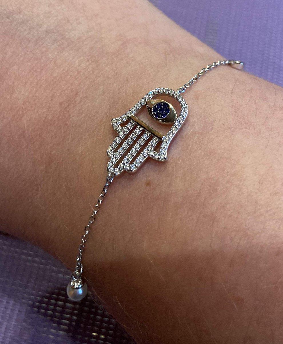 Красивый браслет-оберег