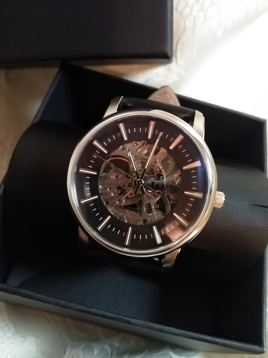 Часы очень крутые, стильные, нам очень понравились