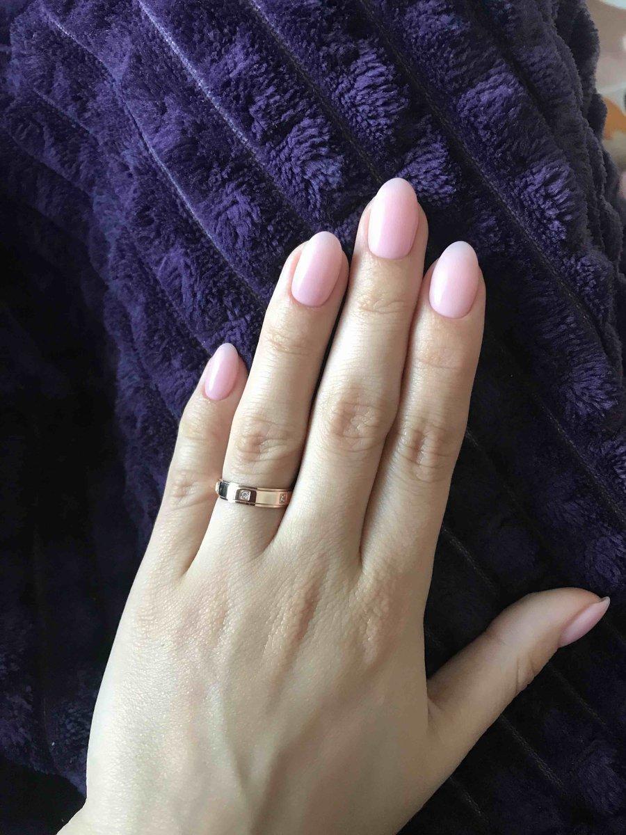 Красивое обручальное кольцо по приемлемой цене