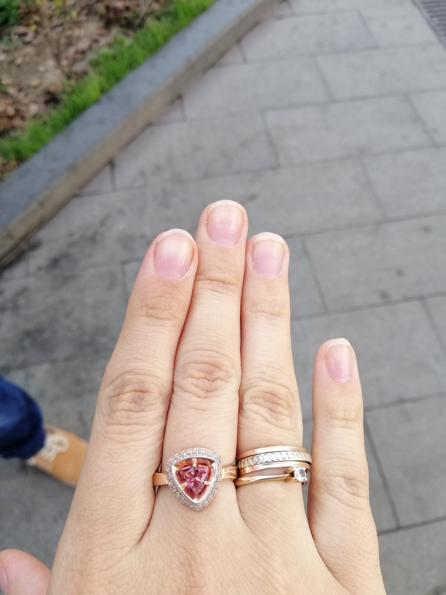 Одно кольцо - три варианта расцветки камня