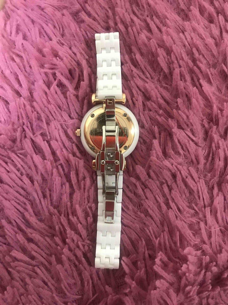 Часы шикарные,очень довольна покупкой,керамиеские часы очень красивые!!!
