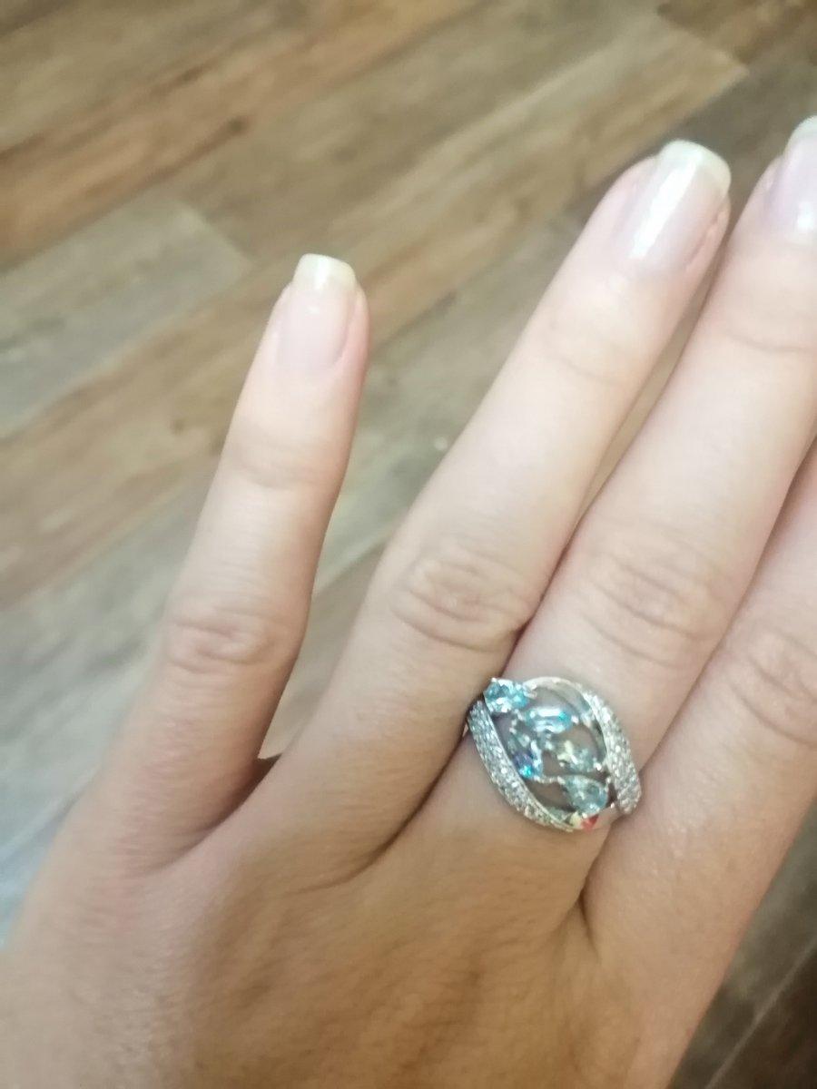 Очень красивое и элегантное кольцо