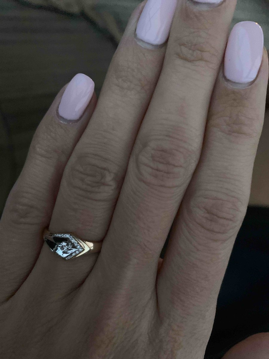 Необычное и эффектное кольцо