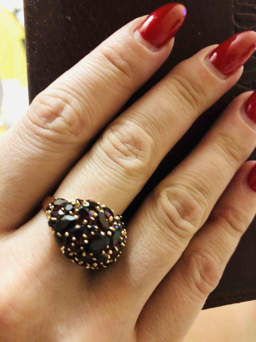 Яркое и красивое кольцо