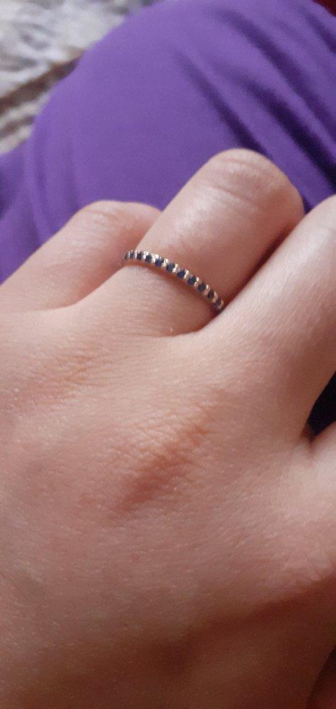 Золотое кольцо с сапфирами .