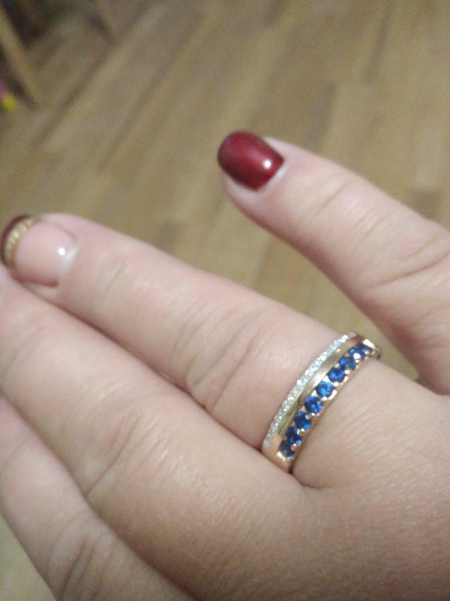 Кольцо золотое с сафирами и брильянтами