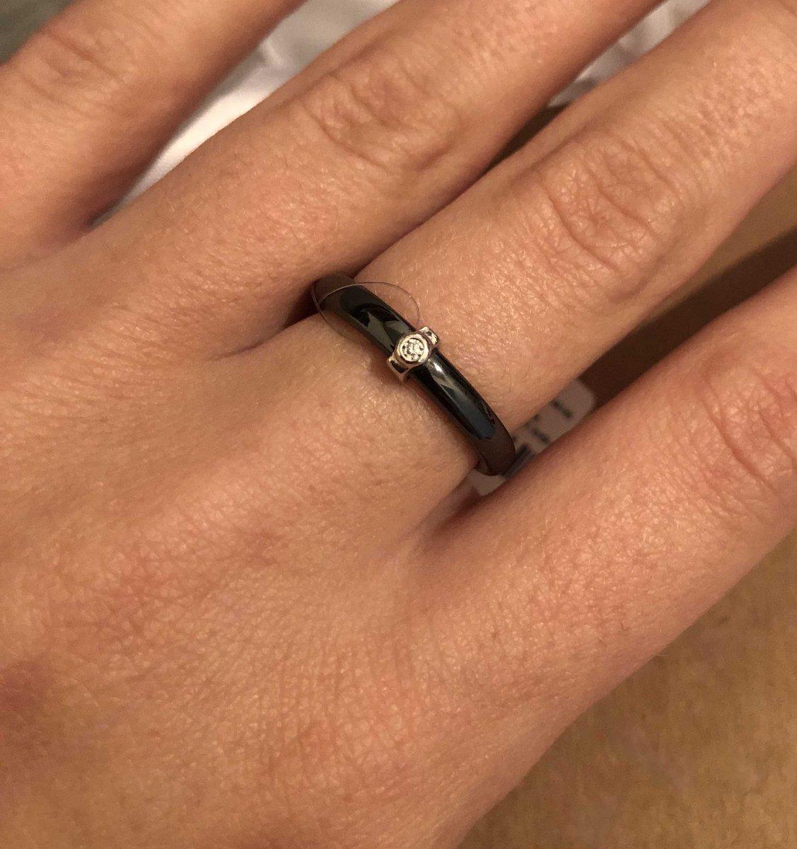 Керамическое кольцо с фианитом