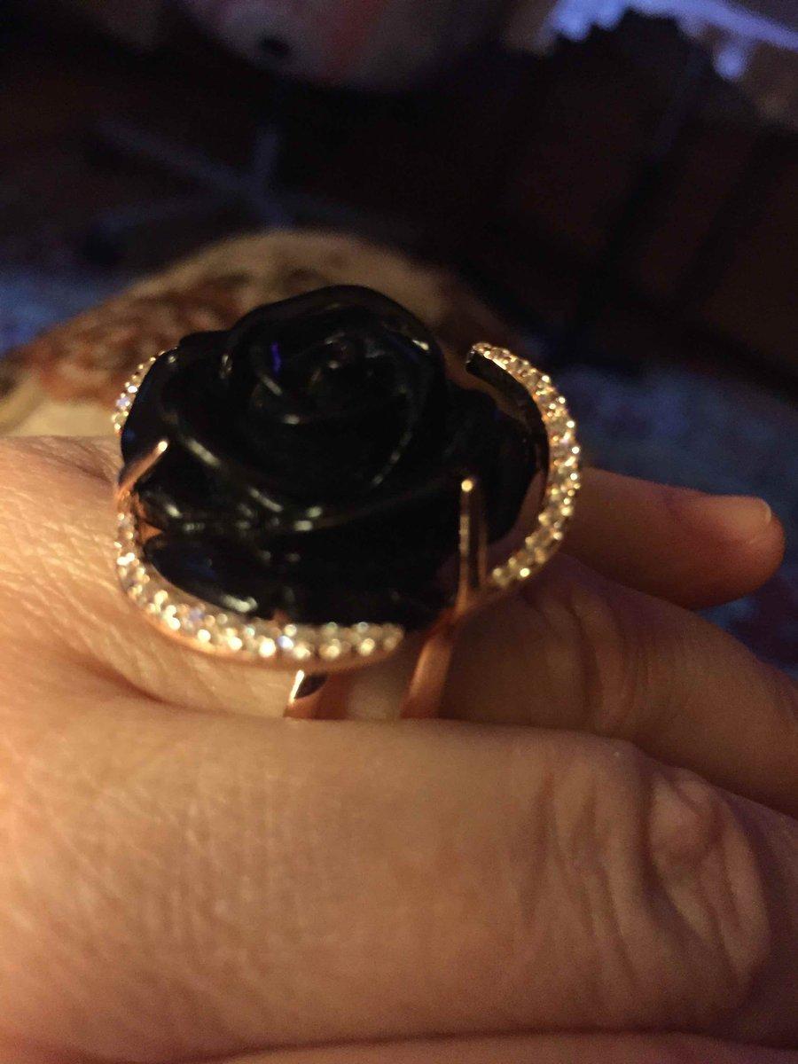 Элегантная роза