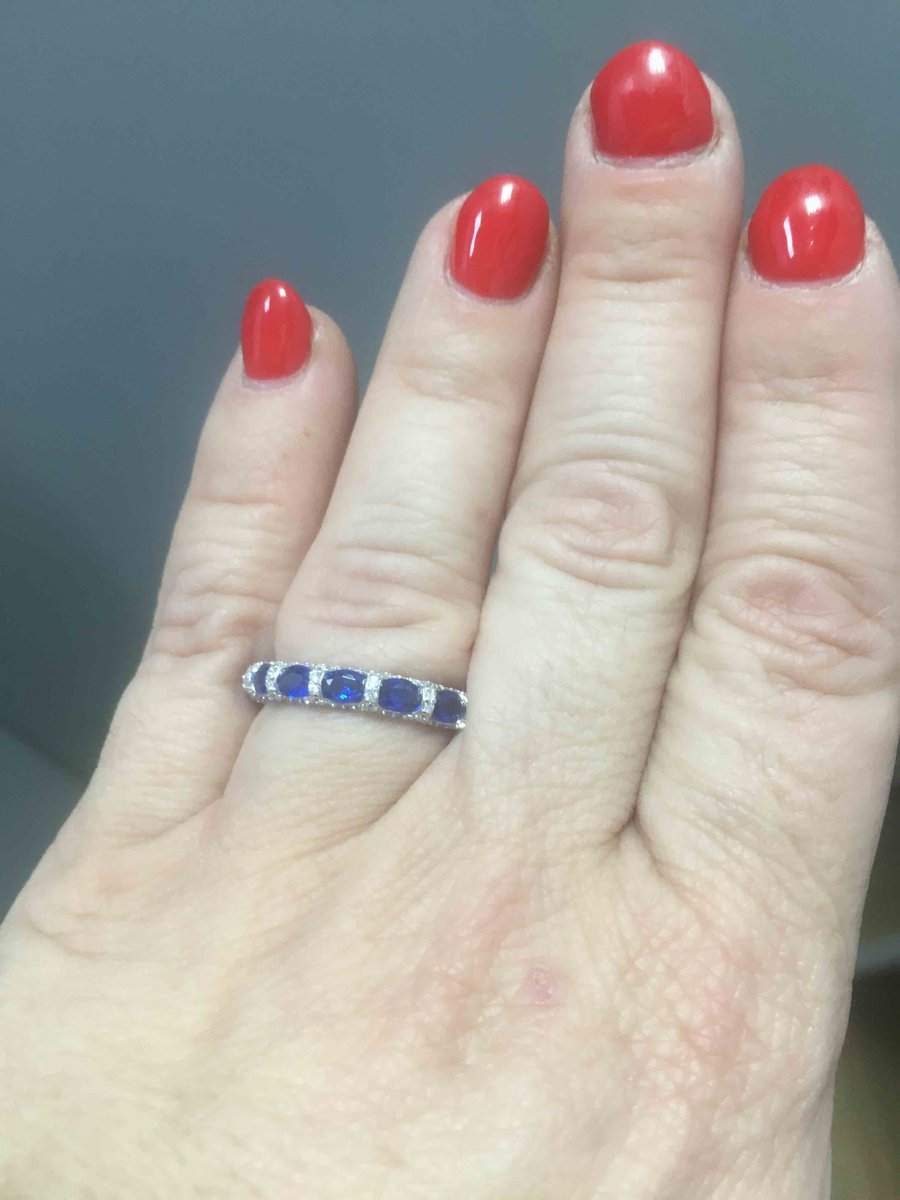 Серебрянное кольцо на распродаде