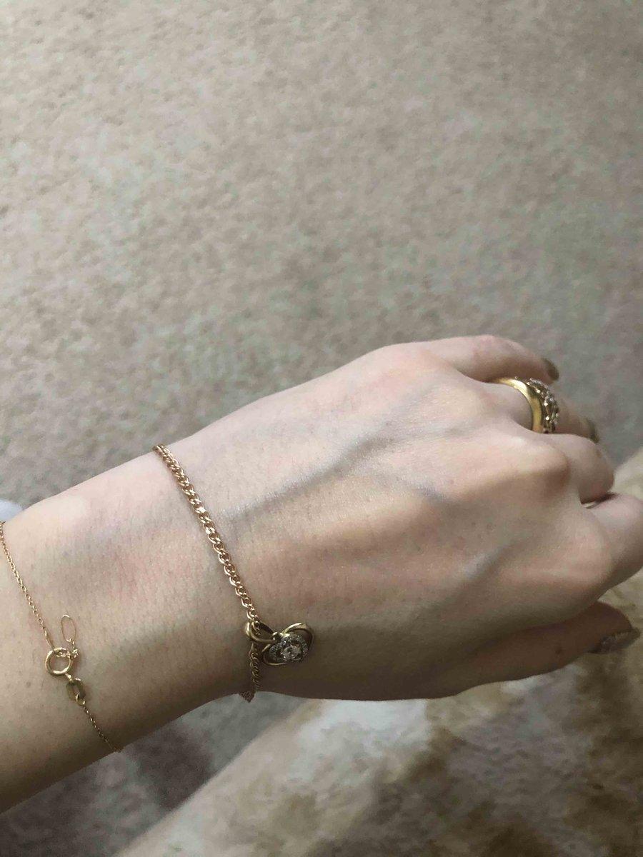Очень удобный и красивый браслет)))