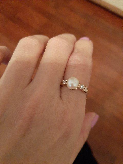 Кольцо нежный, красивый и цена нормальный) была хорошее скидка