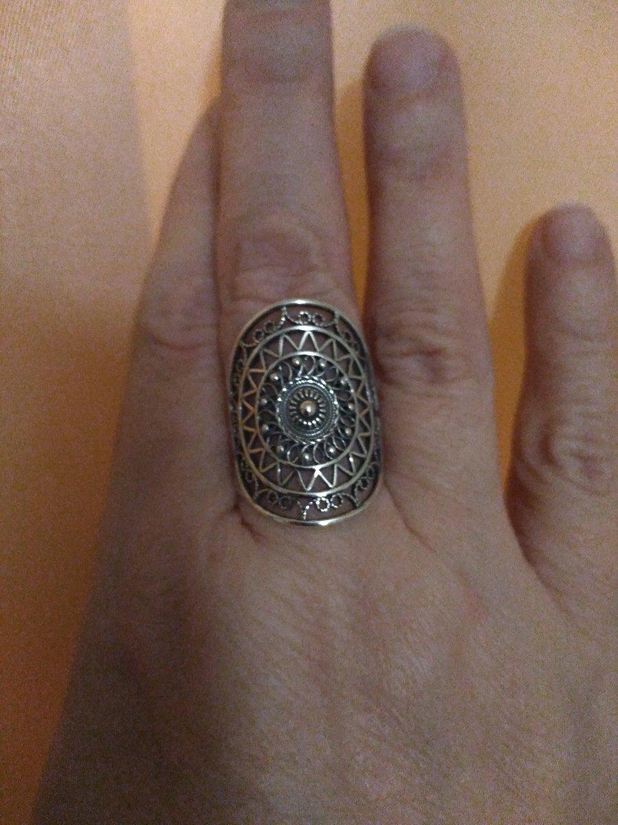 Преобрела прекрасное серебряное кольцо, давно о таком мечтала!!!