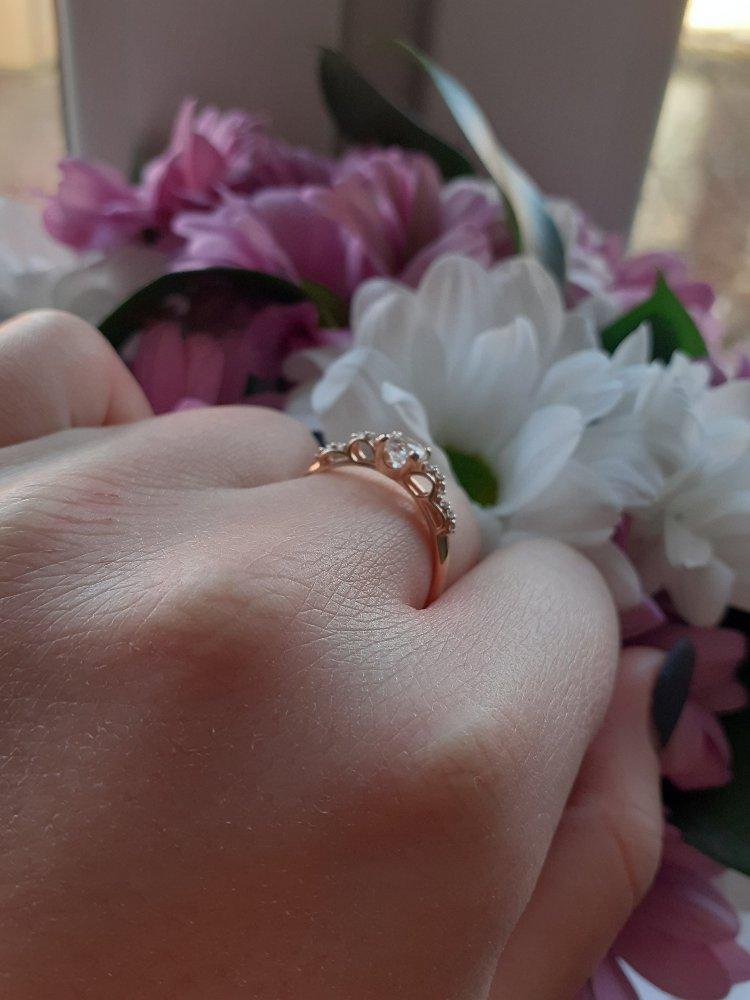 Это кольцо отлично подойдёт в роли подарка.