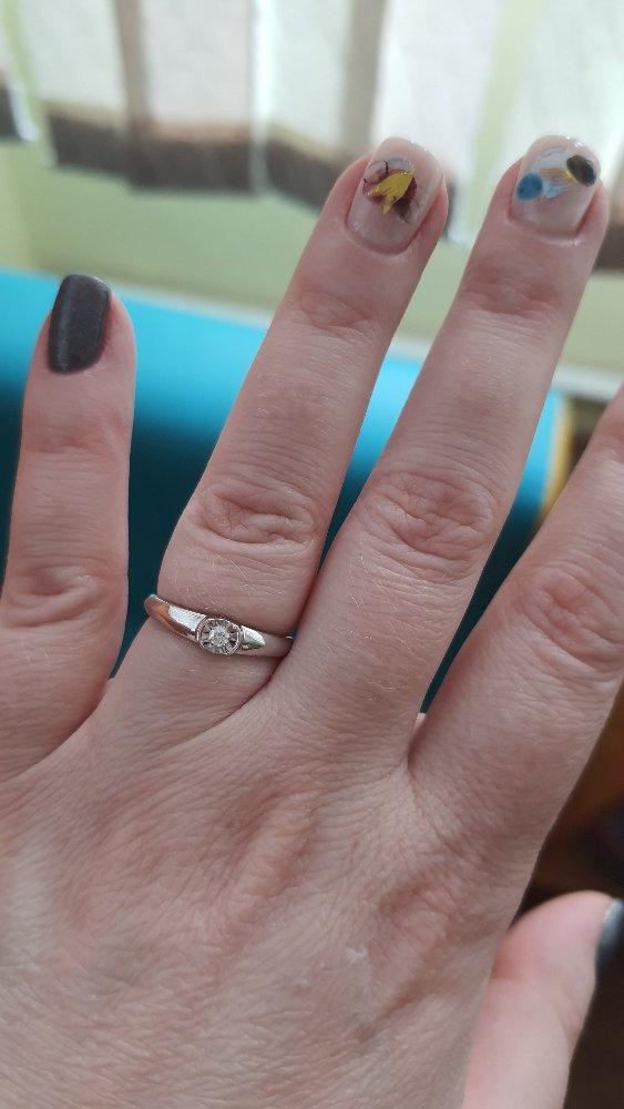 Кольцо из белого золота с 💎