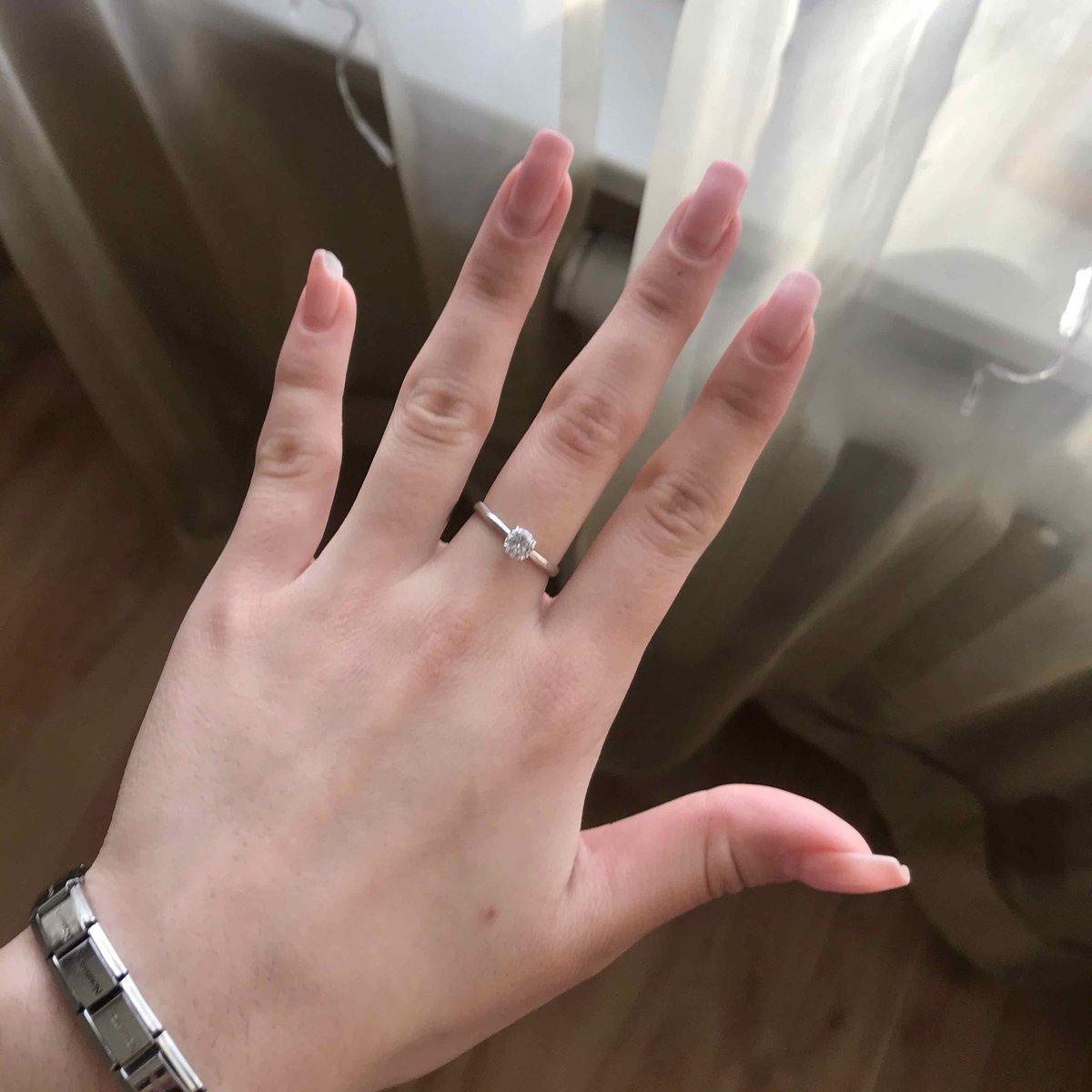 Кольцо шикарное,выглядит очень аккуратно)
