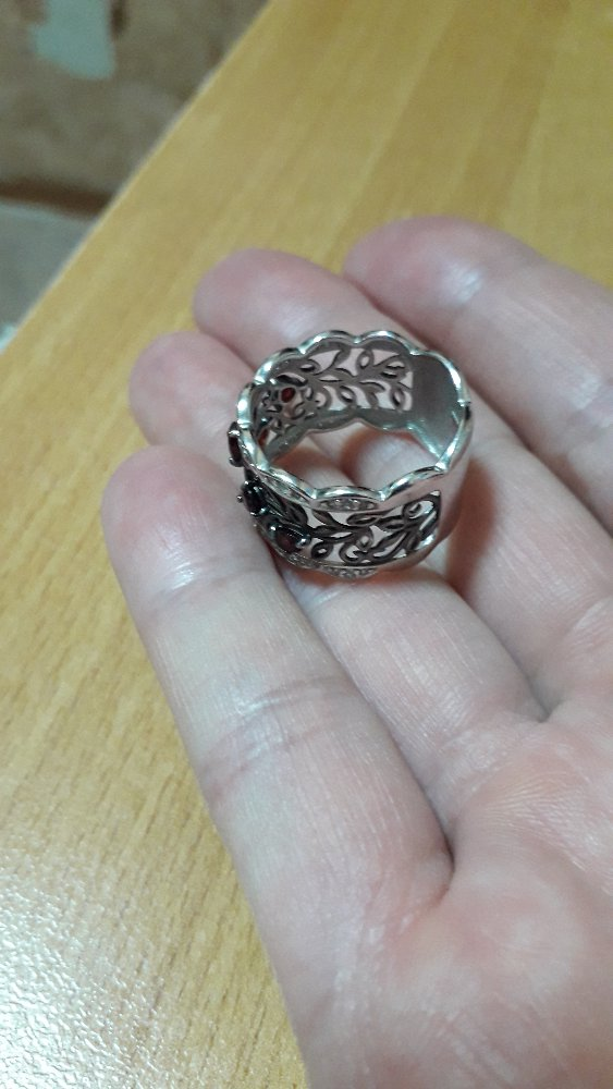 Купила кольцо в подарок