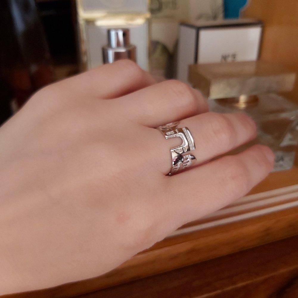 Очень необычное кольцо