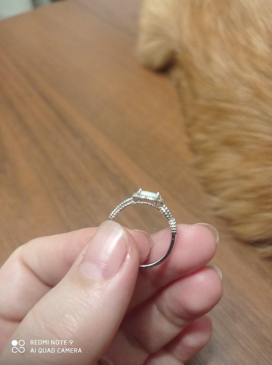 Кольцо с искусственным опалом