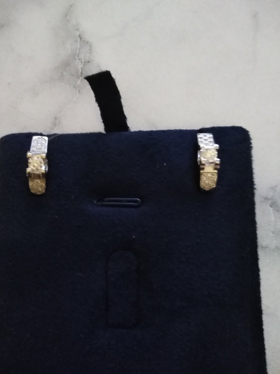 Красивые серьги, подарок, очень понравились, быстрая доставка... жду кольцо