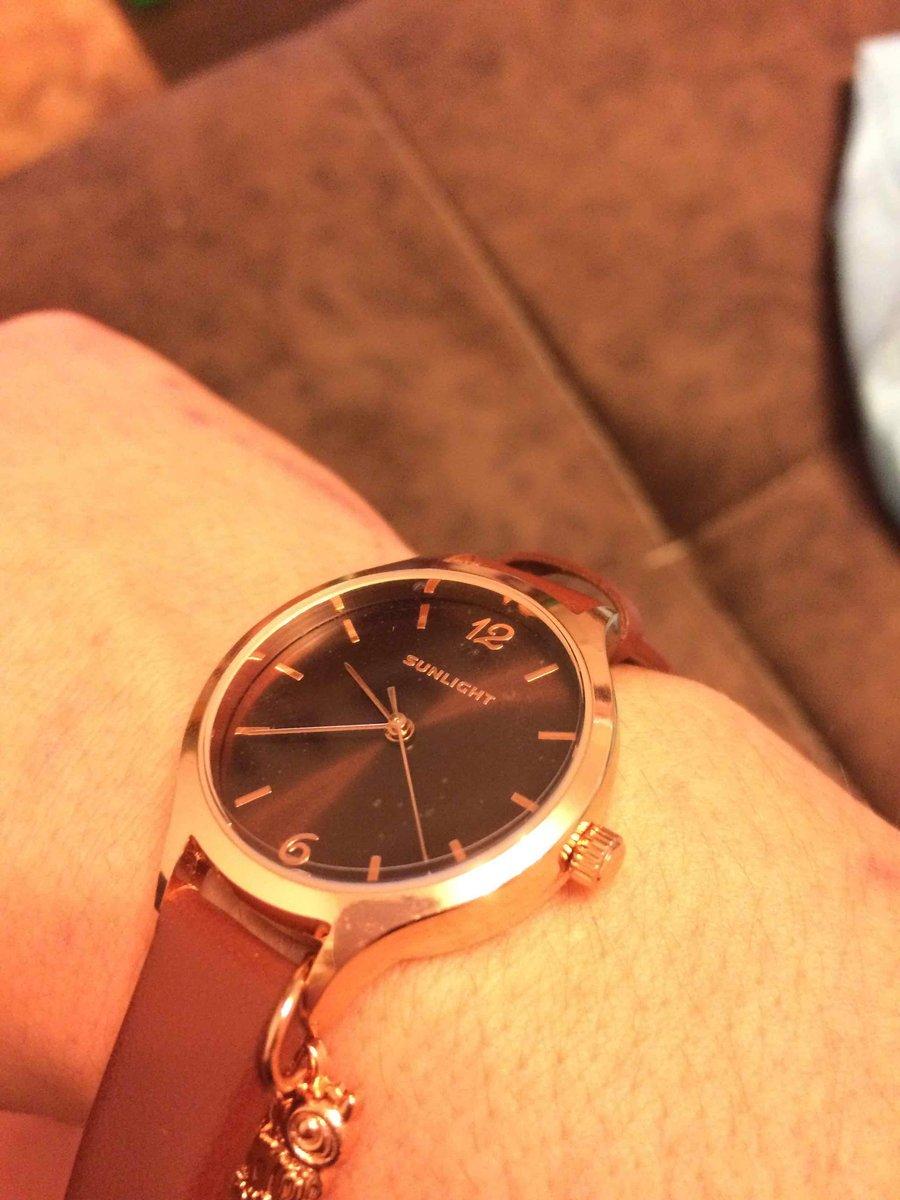 Часы в золотом цвете